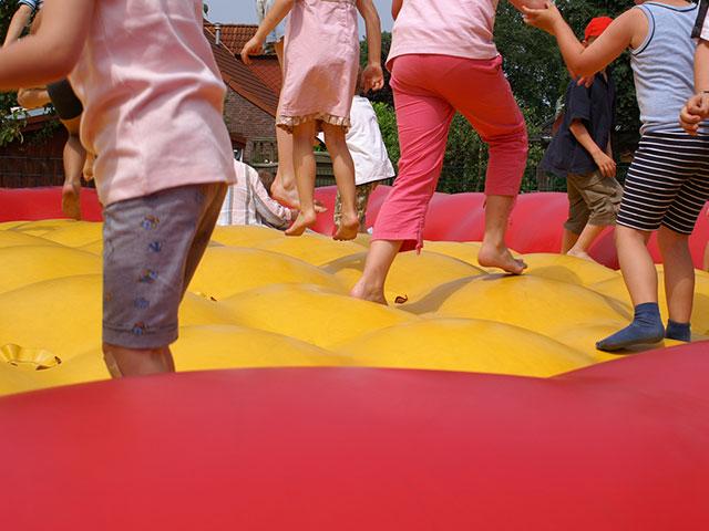 Hüpfburg für den Kindergeburtstag